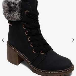 NWT Roxy Laced up Heel Boot